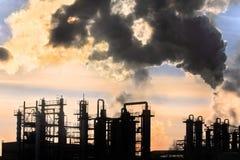 Zonsondergang boven thy fabriek stock fotografie
