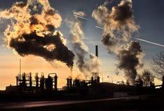 Zonsondergang boven thy fabriek stock foto's