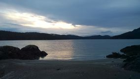 Zonsondergang Brits Colombia, kust pender eiland Royalty-vrije Stock Afbeelding