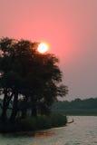 Zonsondergang in Chobe riverfront van een boot Royalty-vrije Stock Afbeeldingen