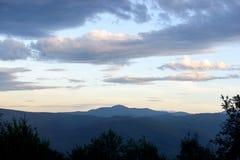 Zonsondergang in de bergen Stock Foto