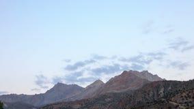 Zonsondergang in de bergen Geschoten op Canon 5D Mark II met Eerste l-Lenzen tajikistan stock footage