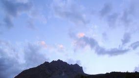 Zonsondergang in de bergen Pamir, Tazhikistan Tijd stock footage