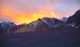 Zonsondergang in de Bergen van de Andes, Aconcagua Royalty-vrije Stock Afbeeldingen