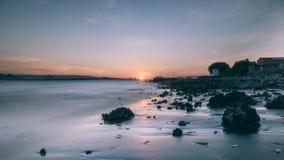 Zonsondergang in de geheime vlek van Tamsui stock foto