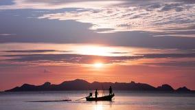 Zonsondergang in de golf van Thailand Stock Foto's