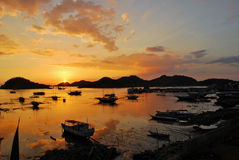 Zonsondergang in de haven Royalty-vrije Stock Afbeeldingen