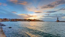 Zonsondergang in de haven van Chania Royalty-vrije Stock Foto's
