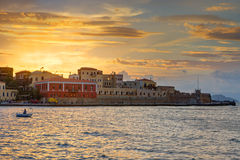 Zonsondergang in de haven van Chania Stock Fotografie