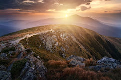Zonsondergang in de Karpatische Bergen Royalty-vrije Stock Afbeeldingen