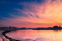Zonsondergang in de kreek stock fotografie