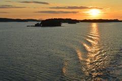 Zonsondergang in de Oostzee dichtbij Eilanden Sweeden Royalty-vrije Stock Foto