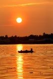 Zonsondergang in de visserij van dorp Royalty-vrije Stock Foto