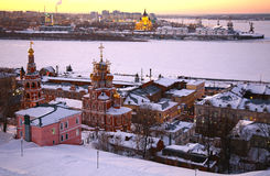 Zonsondergang in de winter Nizhny Novgorod Royalty-vrije Stock Fotografie