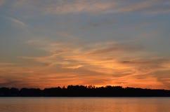 Zonsondergang in de wolken Stock Foto