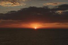 Zonsondergang in de Zuid-Pacifische Oceaan Stock Foto