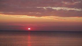 Zonsondergang in de Zwarte Zee in Odessa stock videobeelden