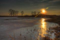 Zonsondergang dichtbij Kostinbrod, Bulgarije stock foto's