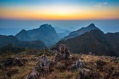 Zonsondergang in Doi Luang Chiang Dao, Chiang Mai royalty-vrije stock foto
