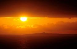 Zonsondergang door de wolken Stock Foto's