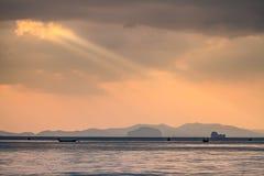 Zonsondergang door het overzees Stock Afbeelding