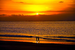 Zonsondergang in een Braziliaans strand royalty-vrije stock fotografie