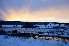 Zonsondergang en berg Stock Foto's