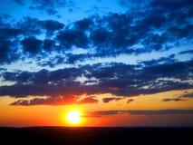 Zonsondergang en hemel Stock Afbeelding