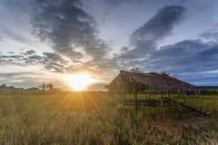 Zonsondergang en zonsopgang Royalty-vrije Stock Foto's