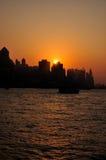 Zonsondergang in habor van Victoria, Hongkong    Royalty-vrije Stock Foto's