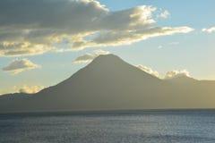 Zonsondergang in het Meer Guatemala van Panajachel Atitlan royalty-vrije stock fotografie