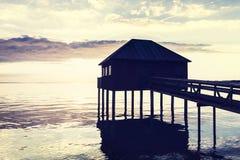 Zonsondergang in het Meer van Konstanz in Europa - strandhuis Royalty-vrije Stock Foto
