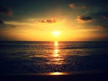 Zonsondergang in het overzees Stock Fotografie