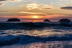 Zonsondergang in het overzees Royalty-vrije Stock Afbeeldingen