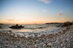 Zonsondergang in het zuiden van Majorca door Palmanova Royalty-vrije Stock Foto