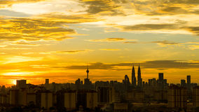 Zonsondergang in Kuala Lumpur van de binnenstad Stock Foto