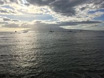 Zonsondergang in Lahaina op Maui in Hawaï stock afbeelding