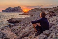 Zonsondergang in Les Goudes, dicht bij Marseille Stock Afbeeldingen