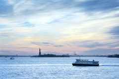 Zonsondergang Liberty Statue New York City Stock Foto