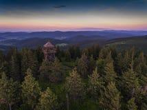 Zonsondergang Luchtmening van de de zomertijd in bergen dichtbij Czarna Royalty-vrije Stock Fotografie