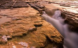 Zonsondergang in Maitland Falls Near Benmiller, Ontario, Canada Royalty-vrije Stock Fotografie
