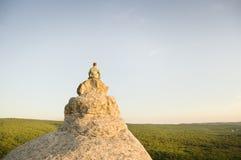 Zonsondergang meditation royalty-vrije stock afbeelding