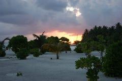 Zonsondergang Mening over de Eilanden van de Maldiven van vliegtuig Royalty-vrije Stock Foto