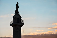 Zonsondergang met de Kolom van Trajan ` s Royalty-vrije Stock Foto's