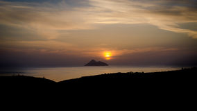 Zonsondergang met een mening naar Messara-baai Royalty-vrije Stock Afbeelding