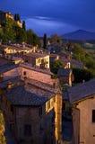 Zonsondergang in Montepulciano, Toscanië, Italië Royalty-vrije Stock Foto's