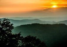 Zonsondergang op de berg Royalty-vrije Stock Foto