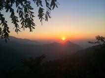 Zonsondergang op de berg Royalty-vrije Stock Afbeelding