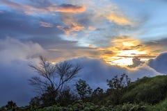 Zonsondergang op de berg Royalty-vrije Stock Afbeeldingen