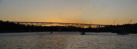 Zonsondergang op de brug van de Dageraad Stock Foto